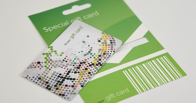 Plaquette en carton à suspendre pour cartes plastiques PVC 7.0